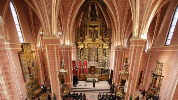 La Diputación General de Aragón quedó constituida el 9 de abril de 1978 en la iglesia bilbilitana de San Pedro