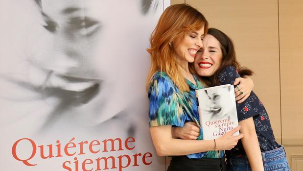 Nuria Gago y Leticia Dolera, este lunes en la presentación de la novela en Madrid
