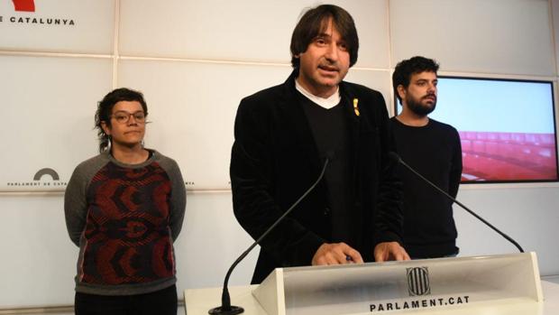 Diputados de las tres formaciones independentistas en el Parlament
