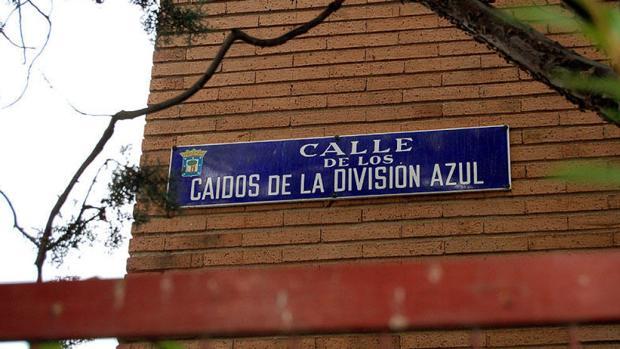 La placa de la calle de los Caídos de la División Azul, en el distrito de Chamartín