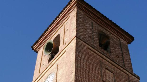 Torre del campanario de la Iglesia Parroquial de la Inmaculada de Dúrcal
