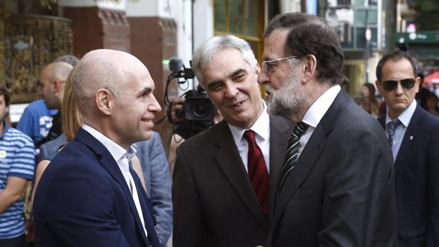 El presidente del Gobierno, Mariano Rajoy, con el alcalde de Buenos Aires