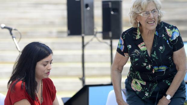 Rommy Arce y Manuela Carmena