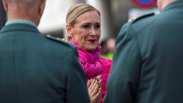 La presidenta de la Comunidad de Madrid, Cristina Cifuentes, durante el acto de toma de posesión del coronel Diego Pérez de los Cobos como nuevo jefe de la Comandancia de Madrid