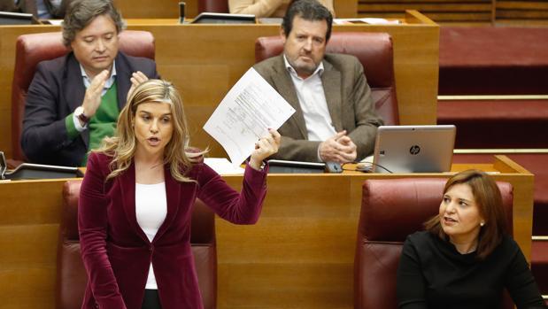 Eva Ortiz, en las Cortes Valencianas