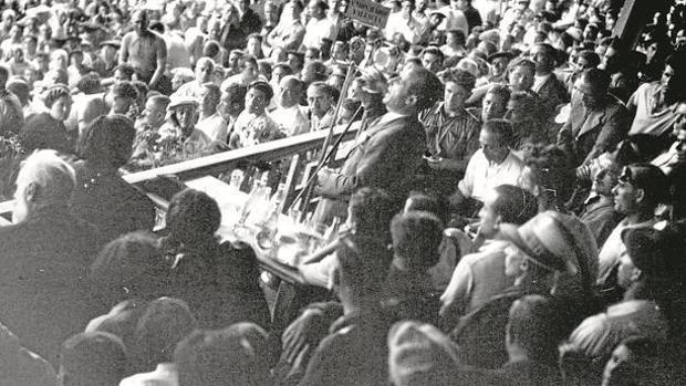 Acto de la CNT, sindicato en el que participó Pestaña