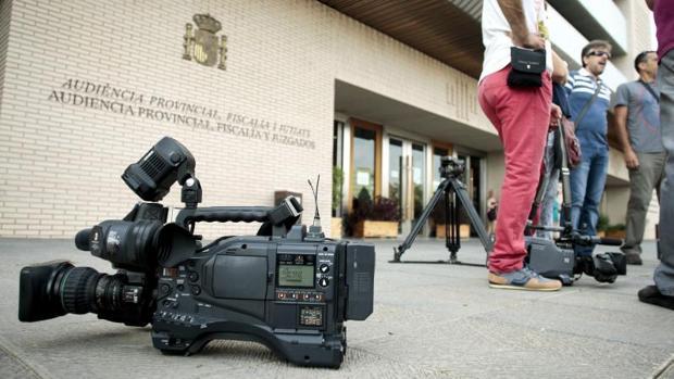 Acceso a la Audiencia Provincial de Castellón, donde se celebra el juicio