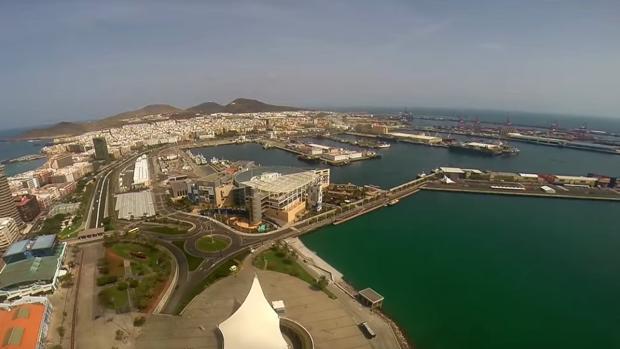 El Puerto de Las Palmas era el objetivo inicial de atraque