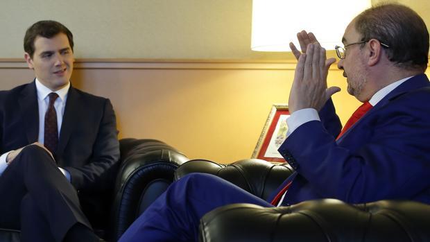El presidente de Aragón y líder regional del PSOE, Javier Lambán, se reunió con Rivera hace un par de meses