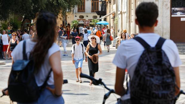 Imagen de turistas en Valencia
