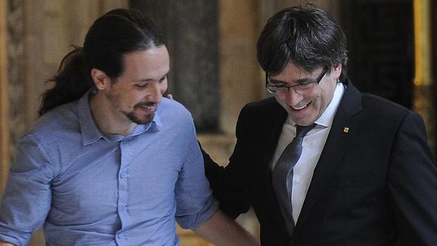 Pablo Iglesias y Carles Puigdemont, en una imagen de archivo