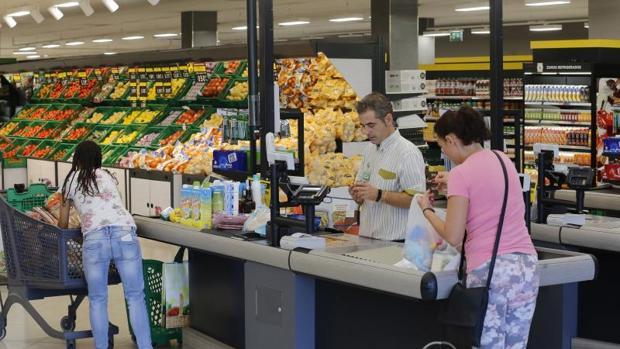 Interior de un supermercado de Mercadona