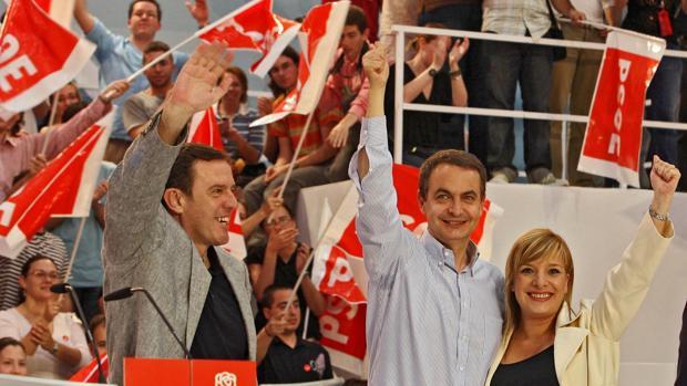 Imagen de Pla, Zapatero y Andreu tomada en un mitin en Alicante
