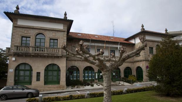 Exteriores de la casa consistorial de Nigrán (Pontevedra)