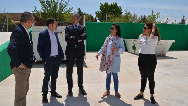 Gutiérrez, Pasamontes y tres concejales, en el punto limpio