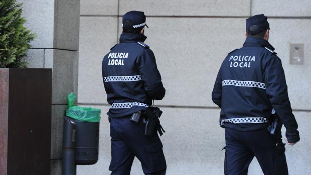 Dos policías locales de Getafe, en una imagen de archivo