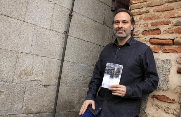El profesor y poeta toledano Félix Chacón, en la presentación de su libro