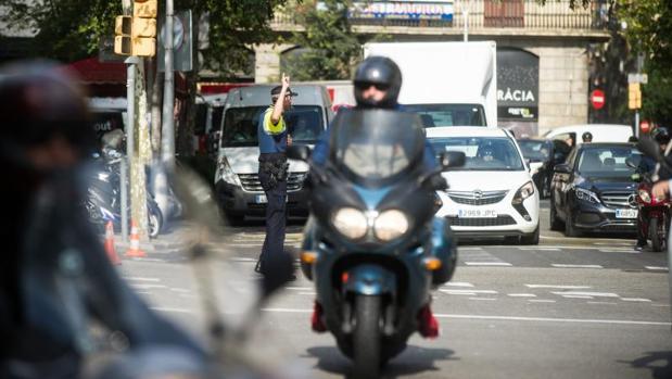 Los motoristas son uno de los colectivos con más riesgo de sufrir un accidente en Barcelona