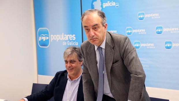 Pedro Puy (i) y Millán Mon (d), en la sede del PPdeG, este viernes