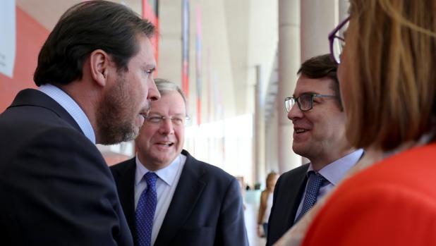 Óscar Puente y Alfonso Fernández Mañueco, junto a Antonio Silván y Ángeles Armisén, en una imagen de archivo