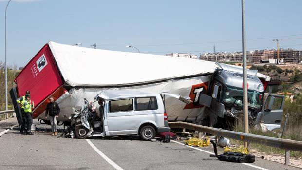 Accidente en el que han fallecido tres personas y otras dos han resultado heridas