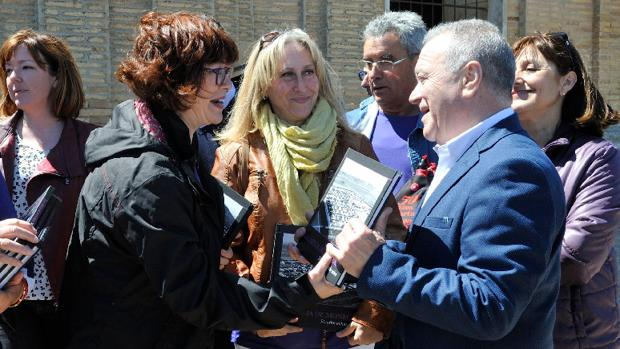 Miguel Gracia (PSOE), presidente de la Diputación de Huesca, en la celebración de San Isidro que ha tenido lugar en la Cartuja de los Monegros