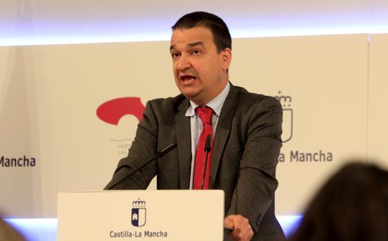 El consejero de Agricultura, Francisco Martínez Arroyo, este martes después del Consejo de Gobierno