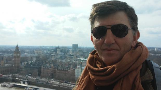 El escritor puertollanense Manuel Peiteado, autor de la trilogía «El librero de Toledo»