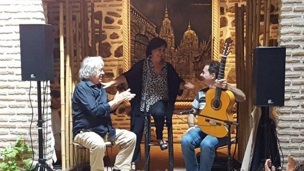 Carmen Linares y Paco Ibáñez, en el tablao del «Entre dos aguas»