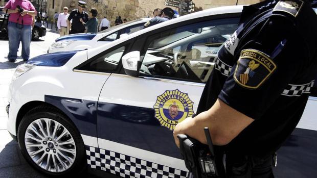 Imagen de archivo de una patrulla de la Policía Local