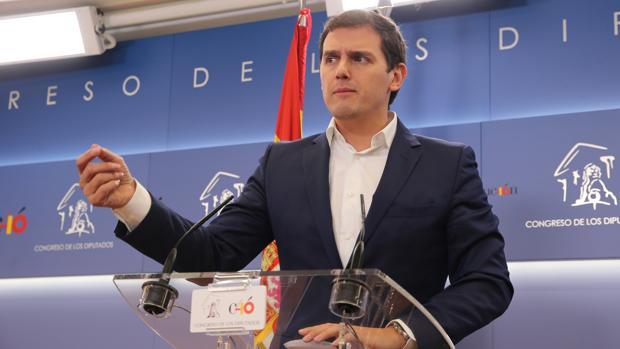 El líder de Ciudadanos, Albert Rivera, en la sala de prensa del Congreso de los Diputados
