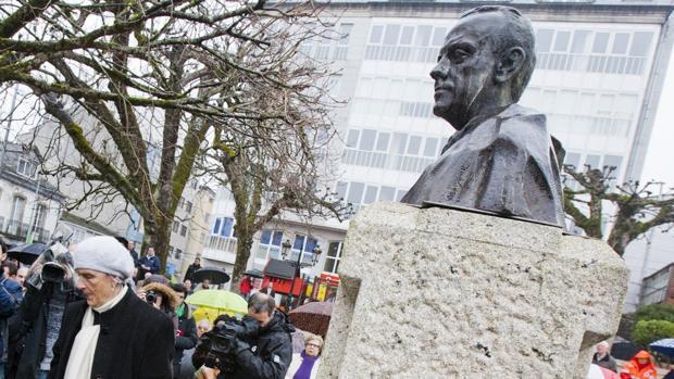 Imagen de archivo del busto de Manuel Fraga en Vilalba