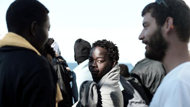 Los inmigrantes han llegado al Puerto de Valencia este domingo