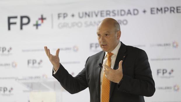 César Romero, director general de Grupo San Valero, durante la presentación del nuevo programa FP++