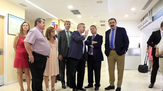 El Gobierno regional ha visitado la ampliada sala de espera familiar y la nueva sala de Pediatría