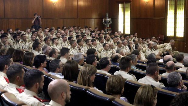 Varios militares asisten a la inauguración del curso 2017/2018 de la Academia de Infantería en una imagen de archivo
