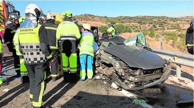 Turismo afectado por el accidente en la M-317, en Valdelaguna