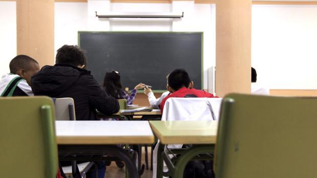 Alumnos en clase en un centro educativo de Madrid