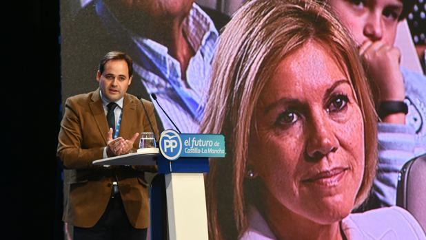 Francisco Núñez durante su intervención en el Congreso regional del PP