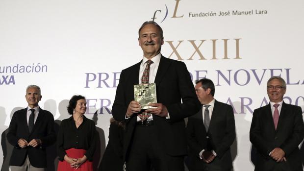 Jorge Molist, en la entrega del Premio de Novela Fernando Lara