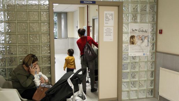 Sala de espera de un centro médico compostelano