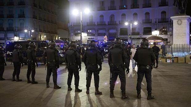Policías en la Puerta del Sol
