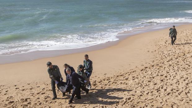 La muerte de inmigrantes en el Estrecho se dispara un 295% y alcanza ya los 617