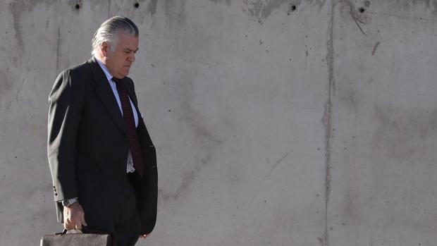 El extesorero del PP Luis Bárcenas, a su llegada este martes a la Audiencia Nacional