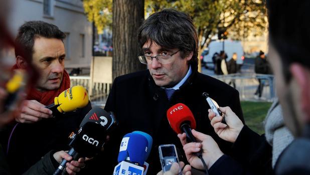 Puigdemont atiende a los medios en Londres