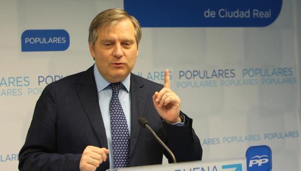 Francisco Cañizares es el actual portavoz del PP en las Cortes regionales