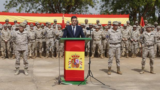 Sánchez viajó ayer a Malí para visitar al contingente militar desplegado en ese país de África Occidental