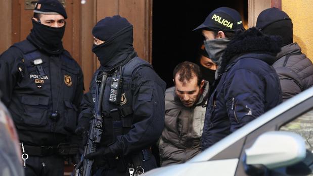 Los yihadistas detenidos en Barcelona acumulaban más de 300 antecedentes por robos y hurtos