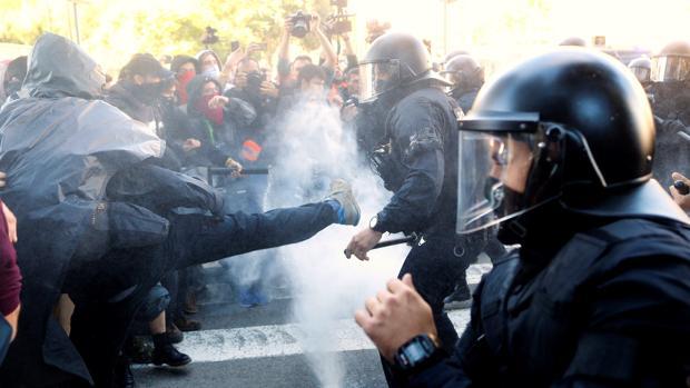 Los Mossos ponen al frente de los antidisturbios a un jefe de perfil «mediador»