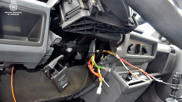 Imagen del interior de un coche robado